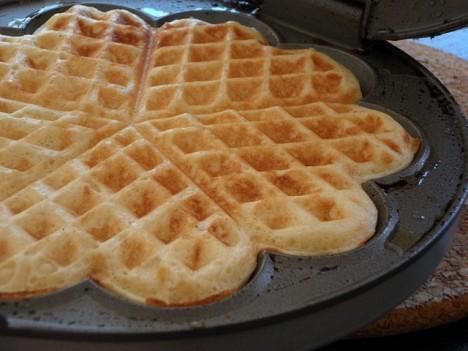 waffle-maker-kawaii