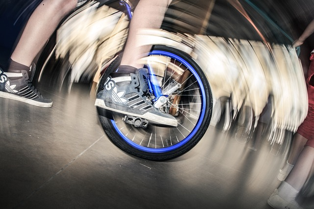 自転車の 自転車 スマホ 充電 : 自転車で走行中にスマホを充電 ...